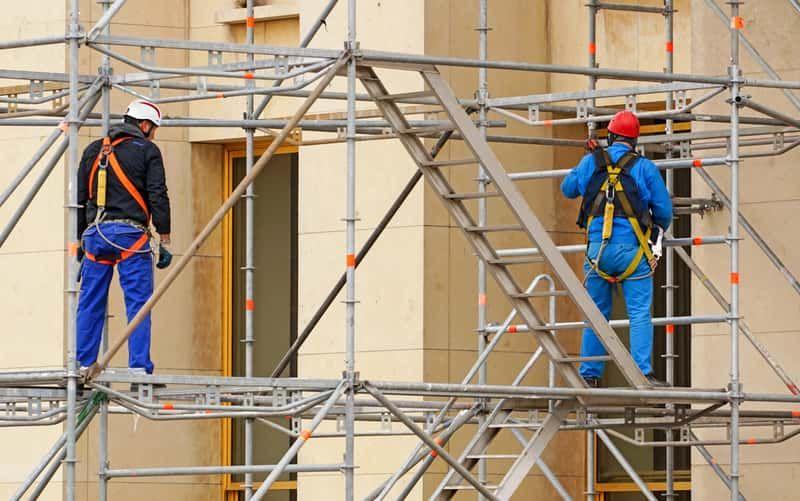 Rusztowania zapewniają pracę w branży budowlanej
